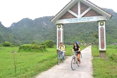 Eco-Friendly Lan Ha Bay Trip with Home Stay